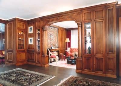 Walnut boiserie, with arch with columns, classical style