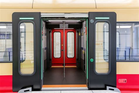 [DE] S-Bahn Berlin, Stadler and Siemens present the