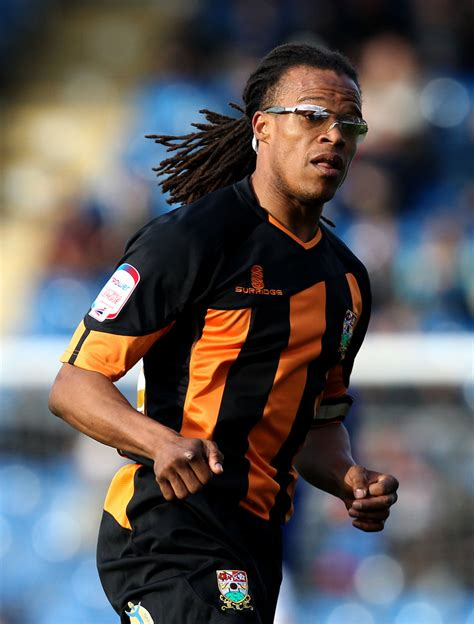 Edgar Davids - Edgar Davids Photos - Chesterfield v Barnet