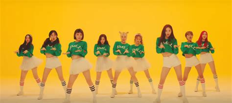 Momoland Is Disorganised In 'Bboom Bboom' – Seoulbeats