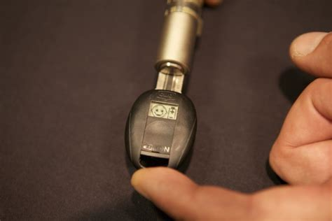 Electronic High-Security Locks Easily Defeated at DefCon