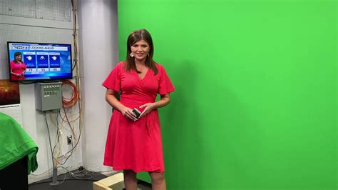 Behind the scenes: Learning about the green screen   WKBN