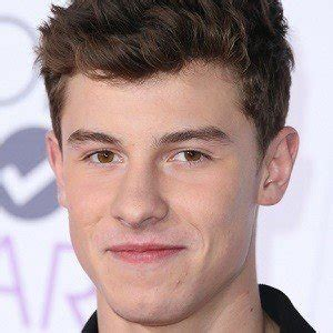 Shawn Mendes - Bio, Facts, Family | Famous Birthdays