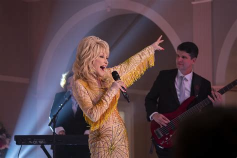 Music | Singer Dolly Parton, 73, returning to the