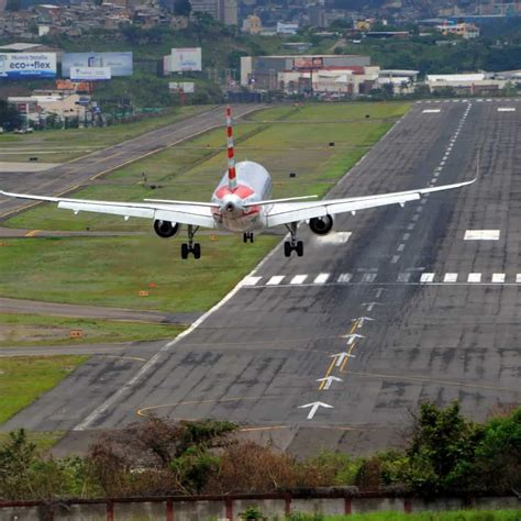 Honduras to convert US-built airbase into airport for
