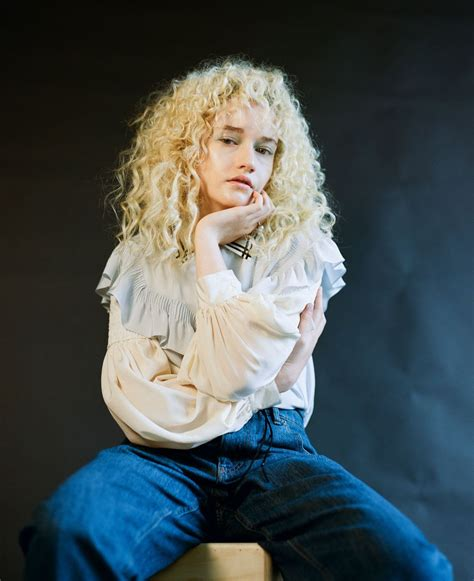 50 Best Julia Garner Latest Wallpapers And Hot Pictures