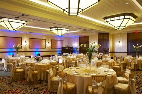 Lake Geneva, Wisconsin LGBT Wedding Receptions - Resort