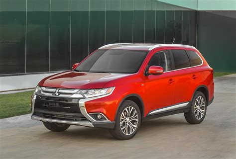 2016 Mitsubishi Outlander Features More of Everything