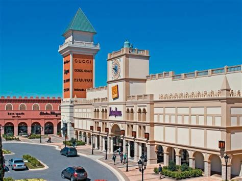 Best US Outlet Mall Destinations | Travel Channel
