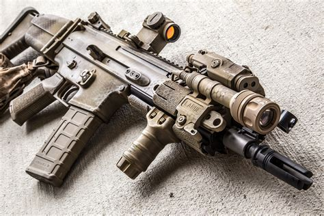 "10"" FN SCAR 16S with Aimpoint T1, Insight PEQ-15, Surefire"